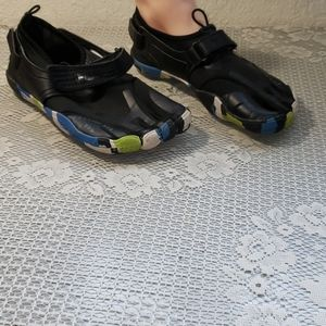 Fila EZ Slide Skele-toes shoes
